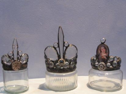 Ready to sell - bottles and crowns 010